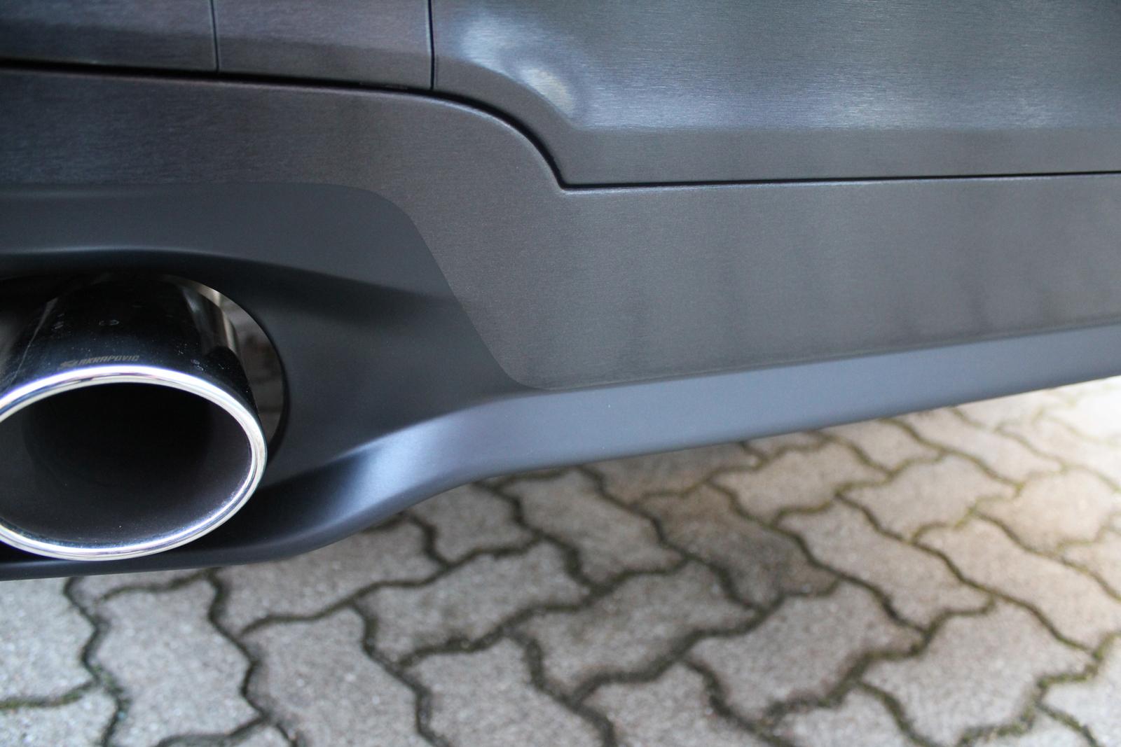 BMW_X3_CAR-WRAPPING_SCHWARZ_GEBUERSTET_FOLIE_09