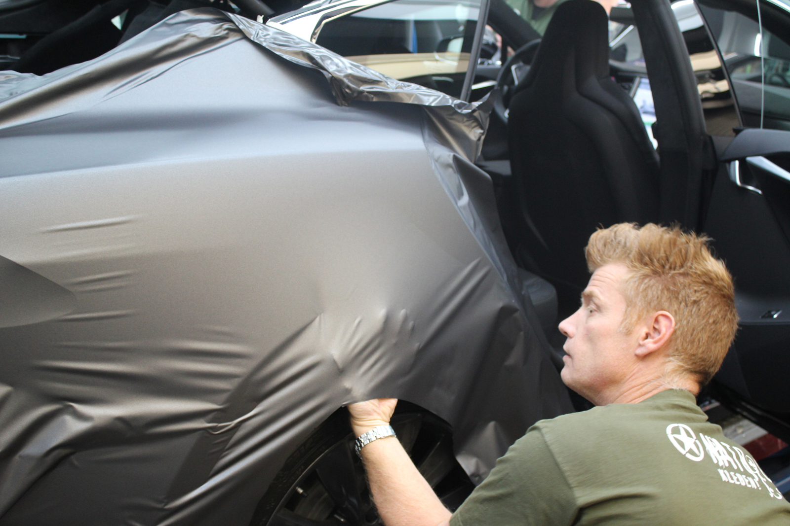 TESLA_MODEL-S_CAR-WRAPPING_FOLIERUNG_DARK_GREY_MATT_METALLIC_01