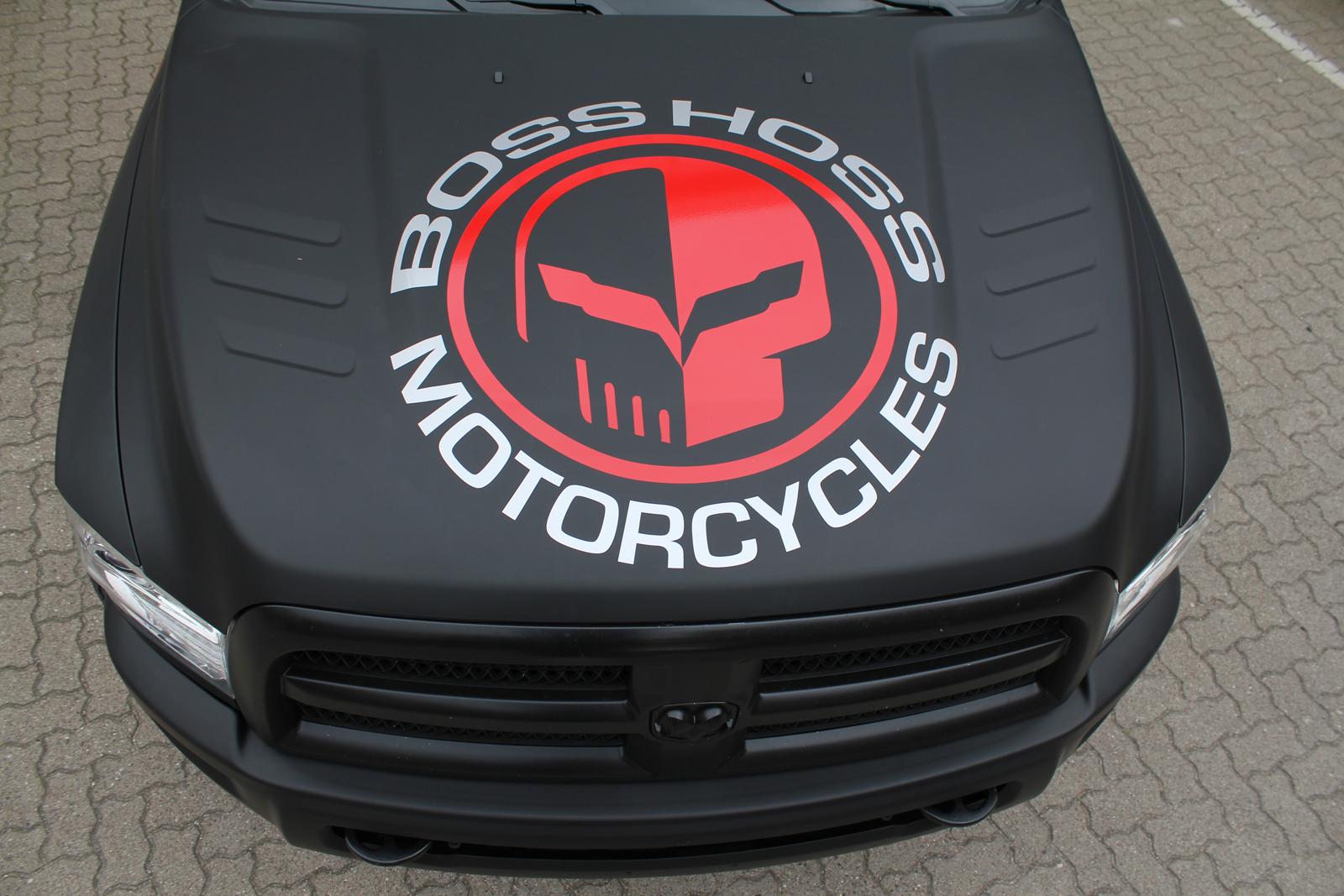 DODGE_RAM_CAR-WRAPPING_SCHWARZ_MATT_BOSS_HOSS_MOTORCYCLES_BRANDING_04