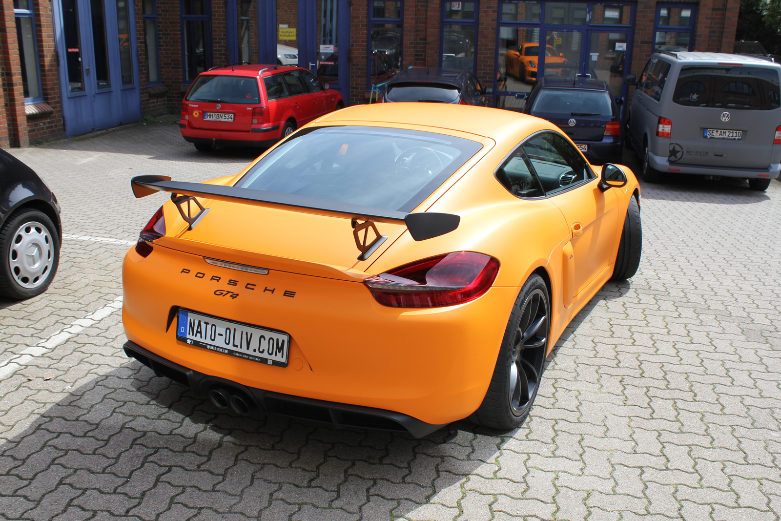 PORSCHE_CYAMAN_GT4_FOLIERUNG_ORANGE_MATT_02