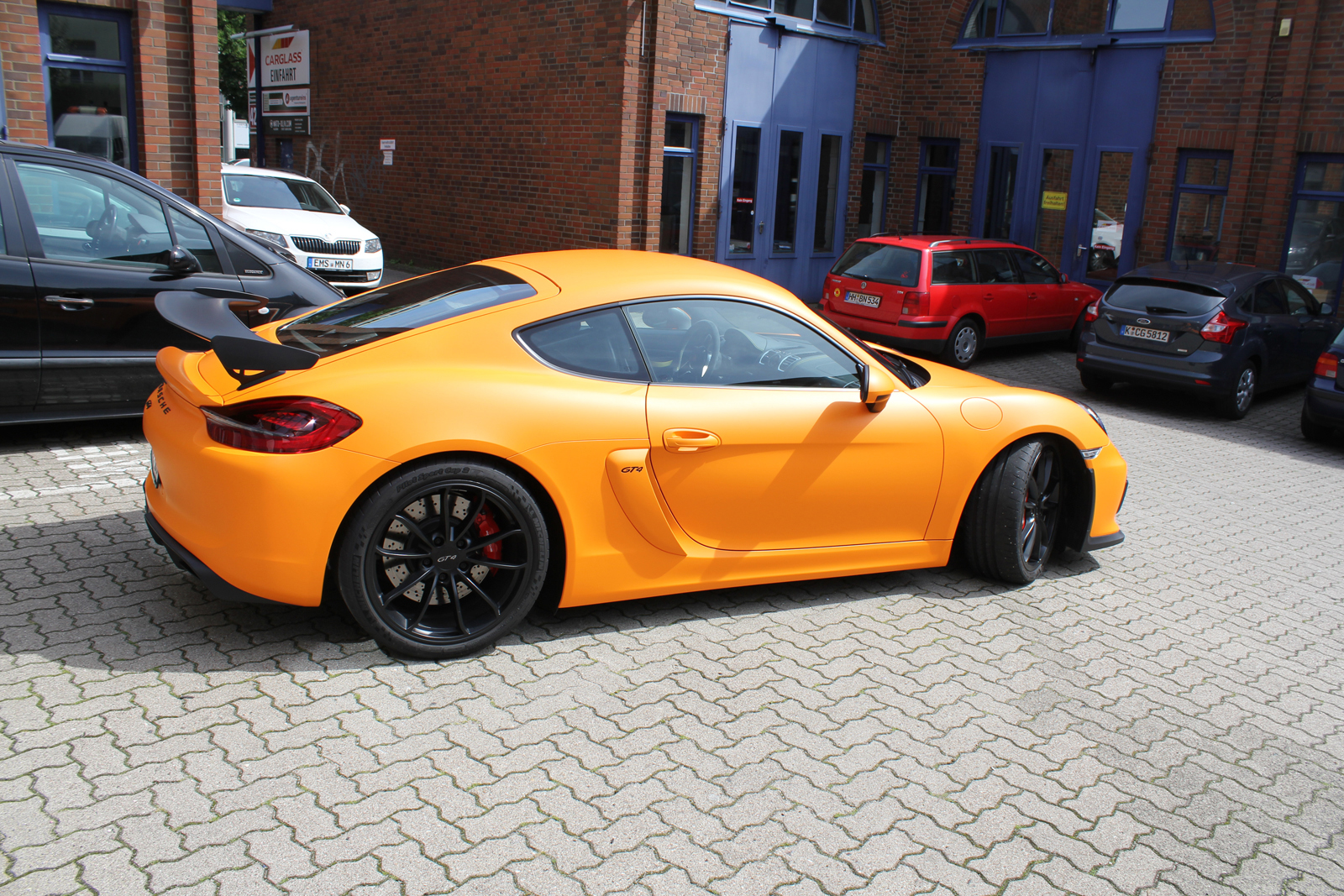 PORSCHE_CYAMAN_GT4_FOLIERUNG_ORANGE_MATT_03