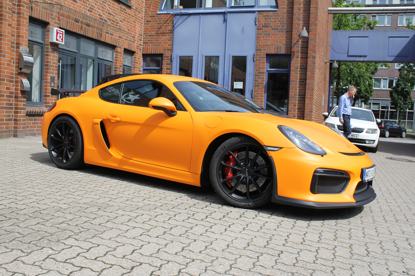PORSCHE_CYAMAN_GT4_FOLIERUNG_ORANGE_MATT_04