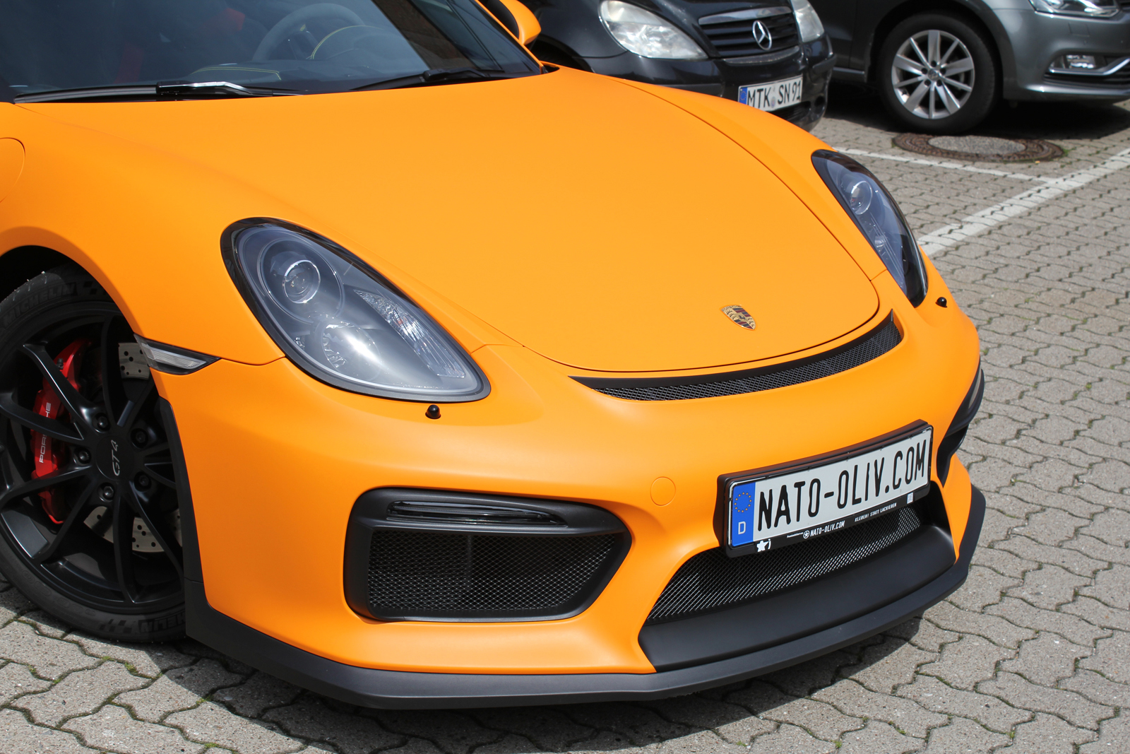 PORSCHE_CYAMAN_GT4_FOLIERUNG_ORANGE_MATT_05