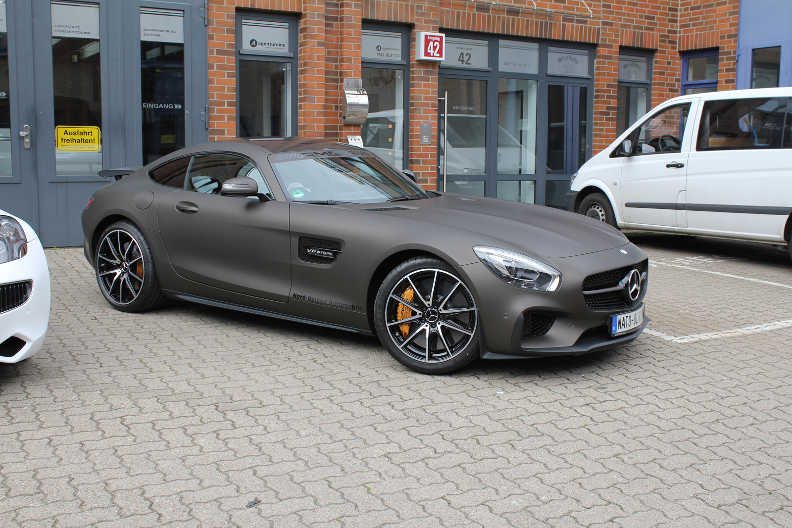 MERCEDES_AMG_GTS_FOLIERUNG_BROWN_MATT_METALLIC_03