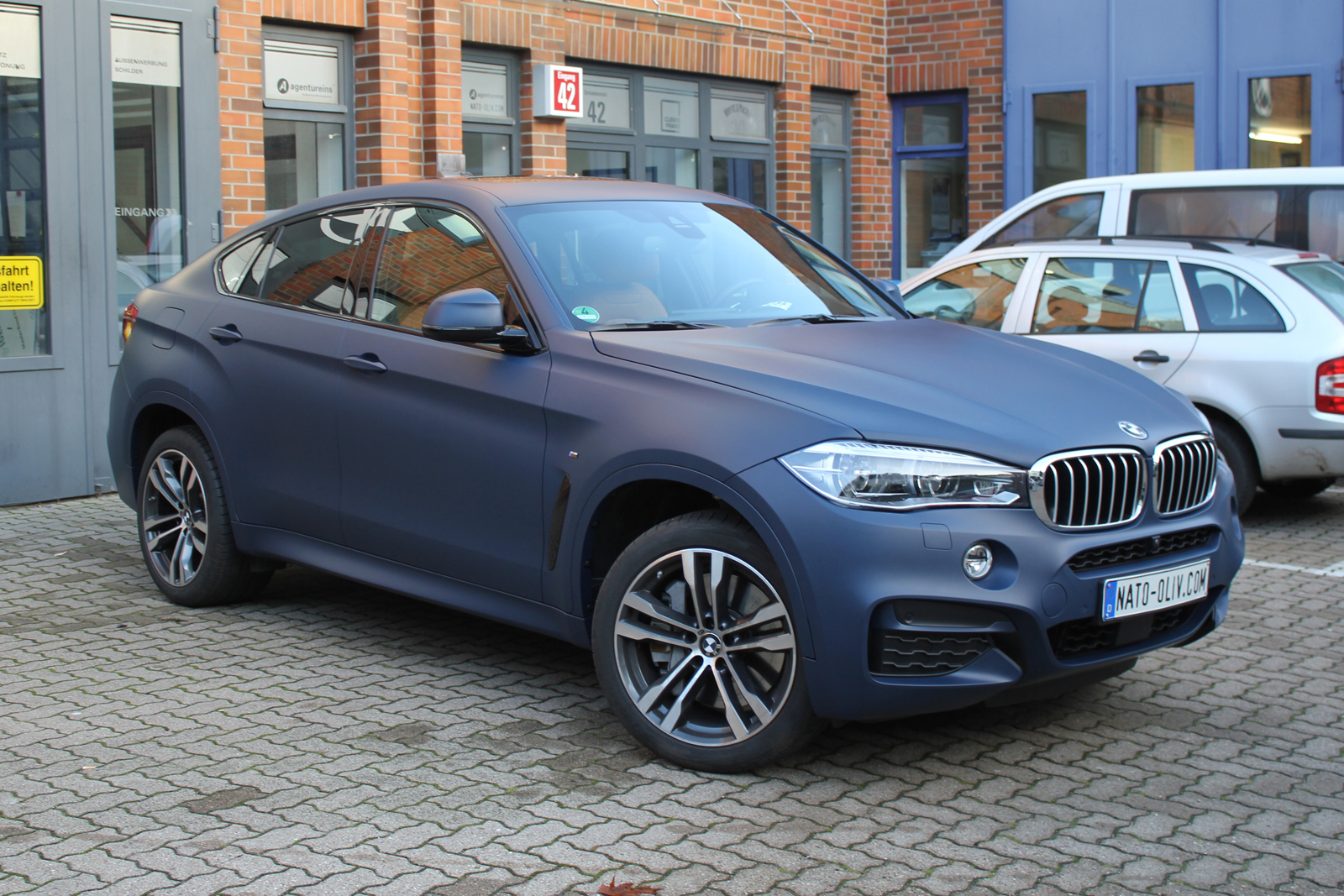 BMW_X6_CAR-WRAPPING_YACHTBLAU_MATT_02
