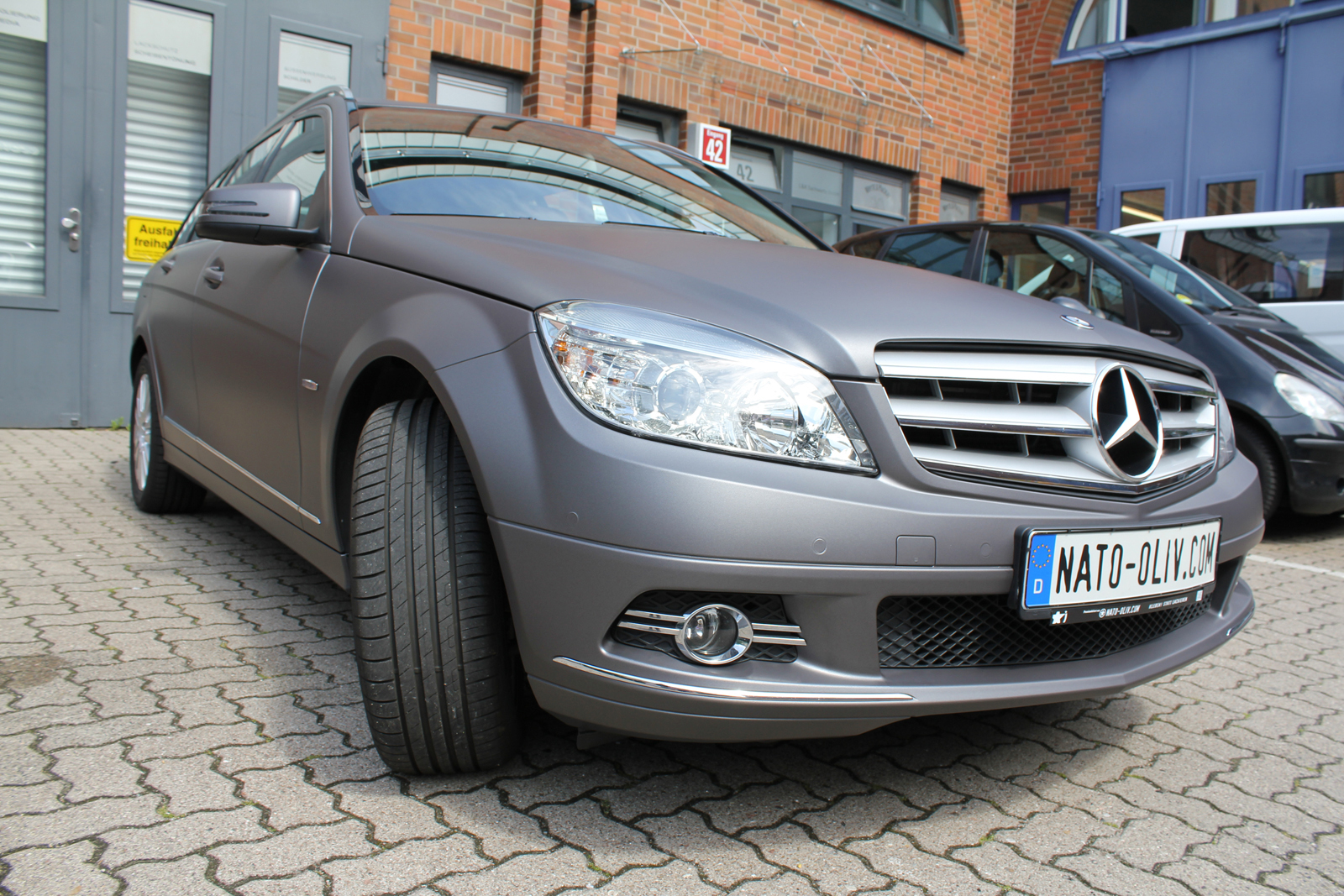 MERCEDES_C-KLASSE_KOMBI_FOLIERUNG_ANTHRAZIT_MATT_METALLIC_02