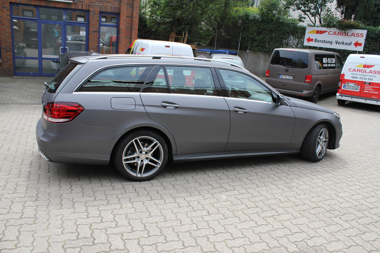 MERCEDES_E-KLASSE_FOLIERUNG_CHARCOAL_MATT_METALLIC_05