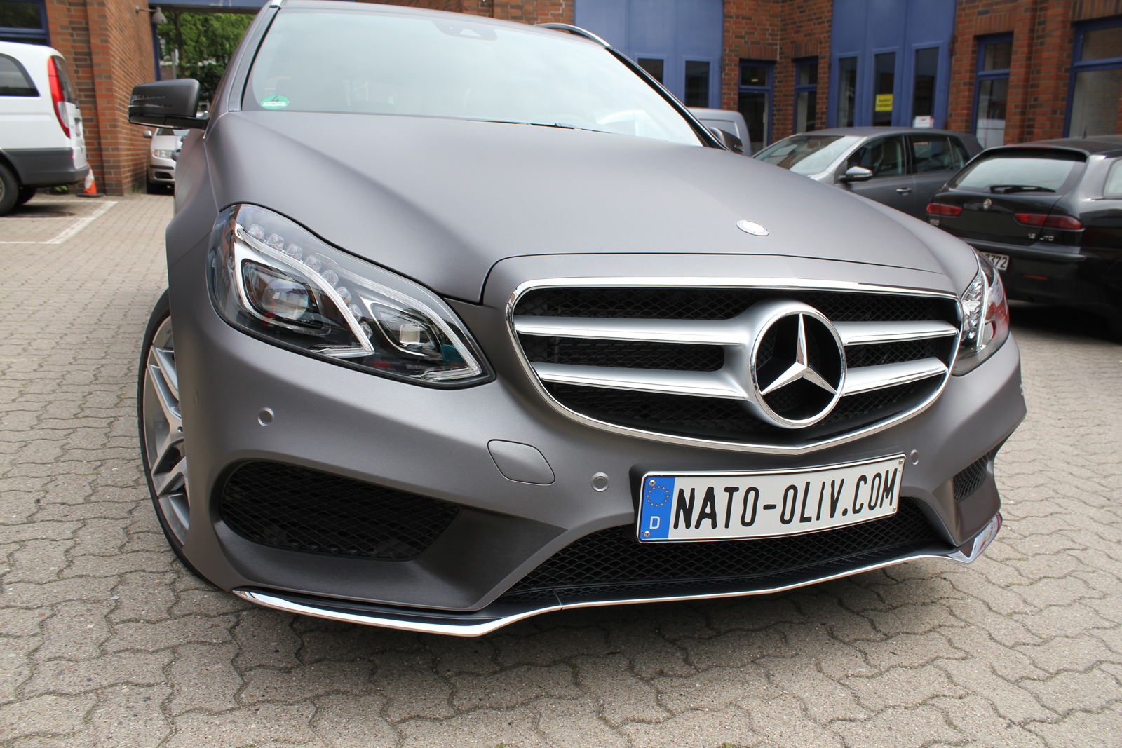 MERCEDES_E-KLASSE_FOLIERUNG_CHARCOAL_MATT_METALLIC_08