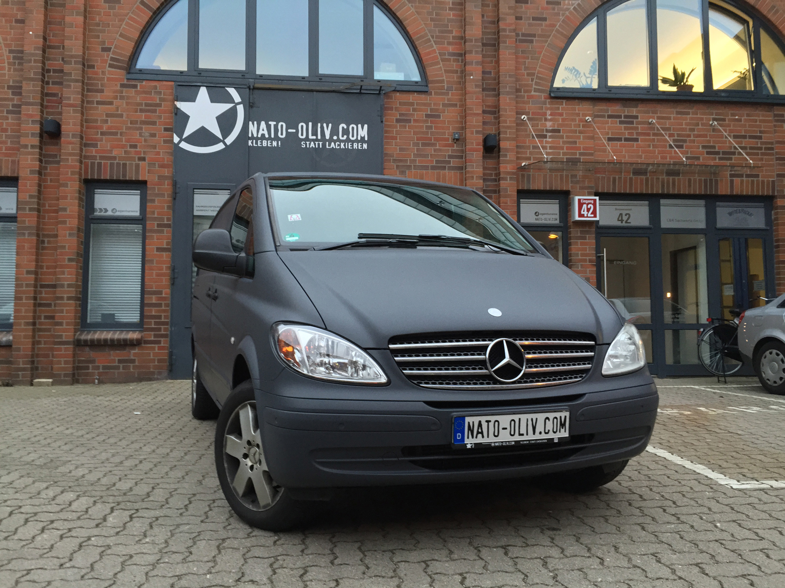 MERCEDES_VITO_CAR_WRAPPING_ANTHRAZIT_MATT_01