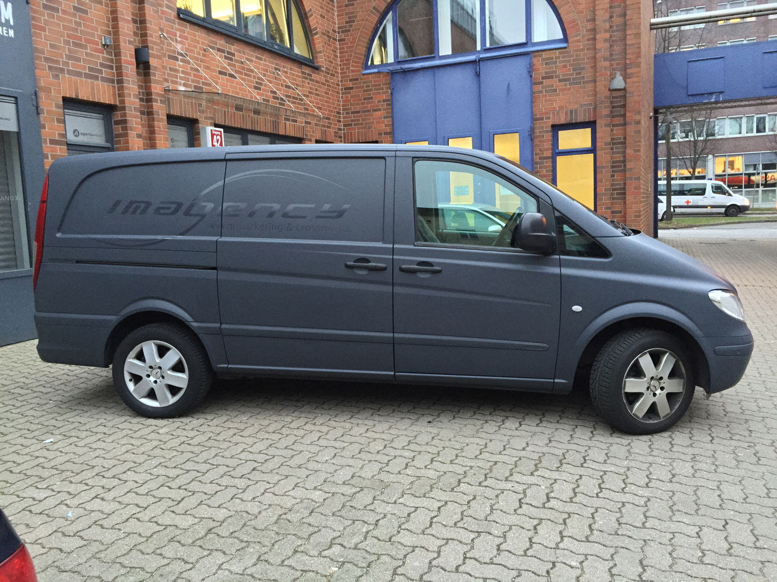 MERCEDES_VITO_CAR_WRAPPING_ANTHRAZIT_MATT_03