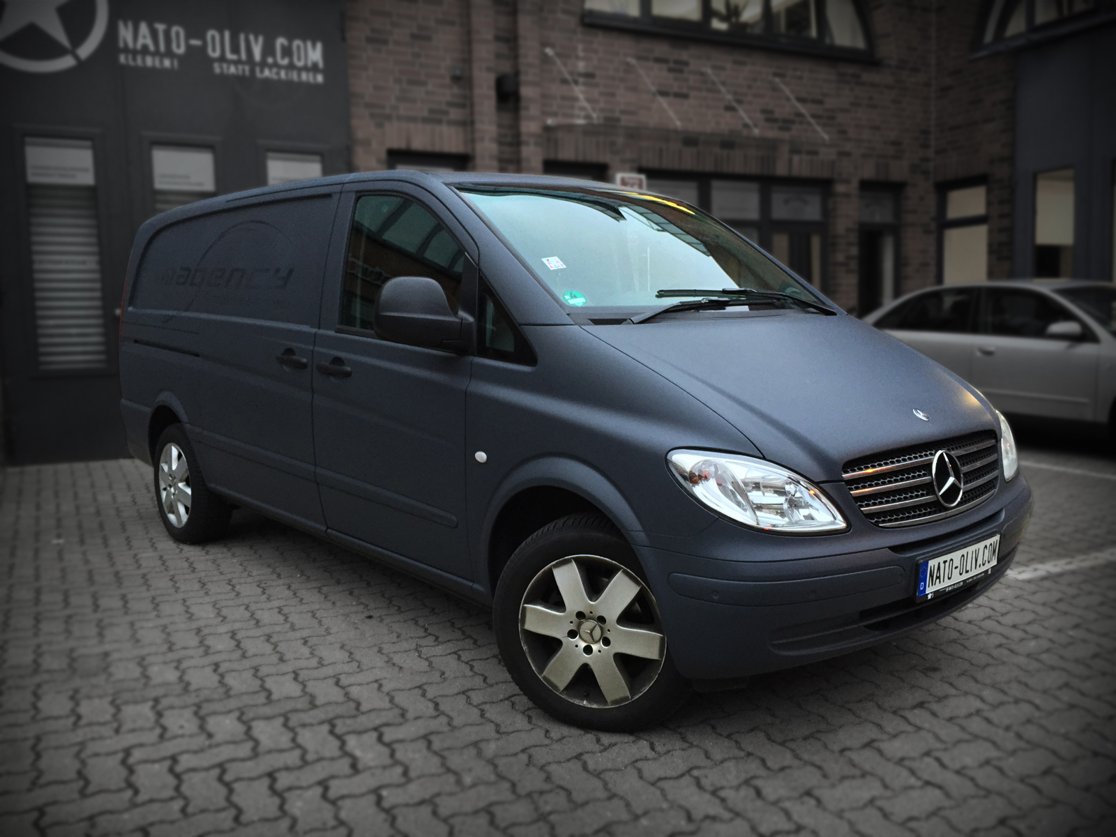 MERCEDES_VITO_CAR_WRAPPING_ANTHRAZIT_MATT_TITELBILD_02