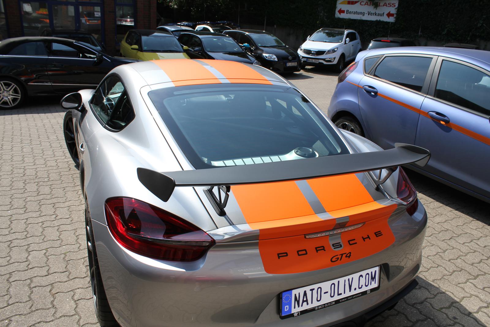 porsche_cayman_gt4_rallyestreifen_orange_03