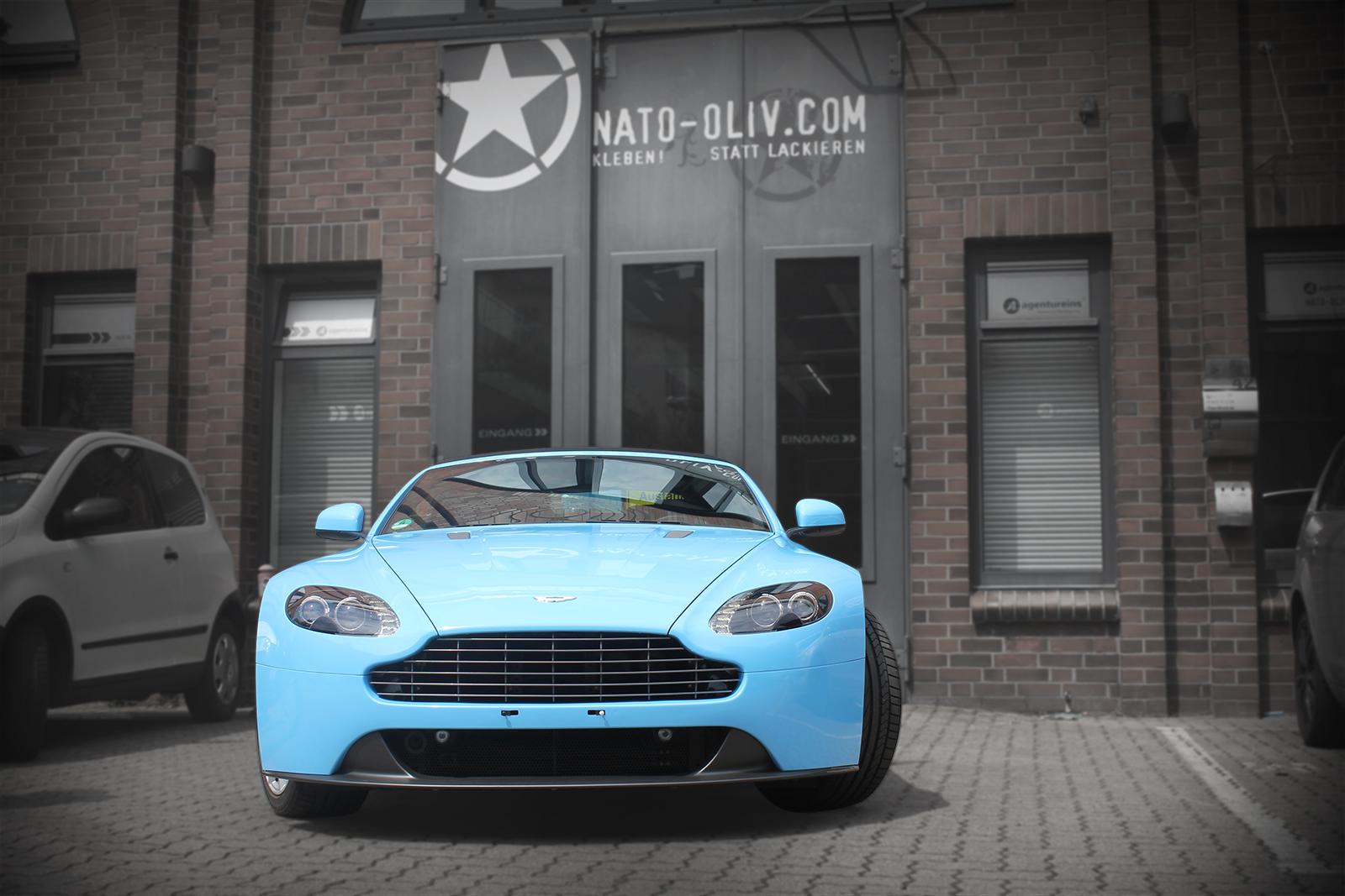 Aston-Martin-Gulfblau-titelbild