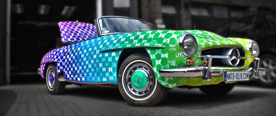 Dieser Mercedes SLS wurde komplett mit Digitaldruck-Folie beklebt und danach per Siebdruck zum Unikat gemacht.