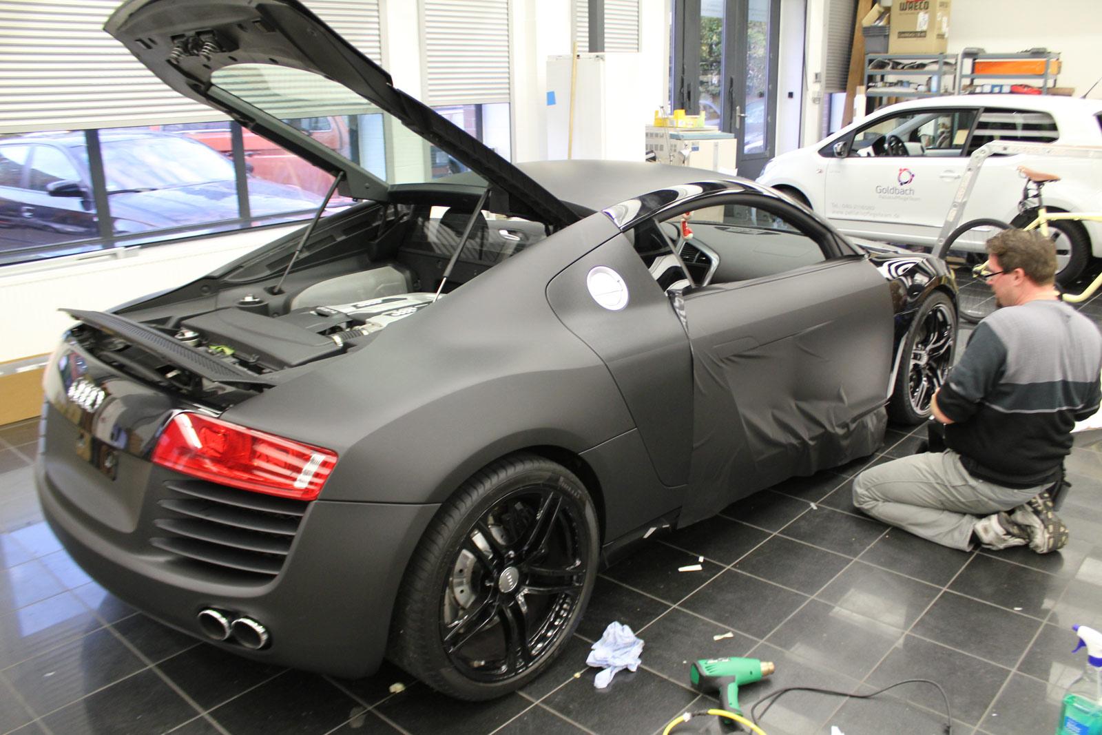 Audi_R8_schwarz_matt_folierung_mit_carbon_05