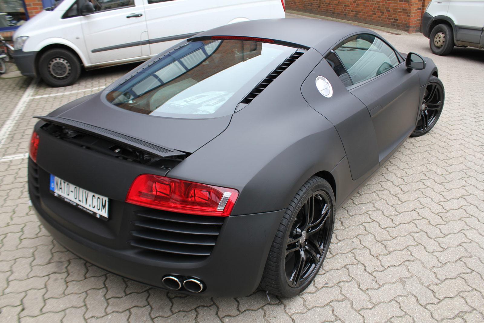 Audi_R8_schwarz_matt_folierung_mit_carbon_08