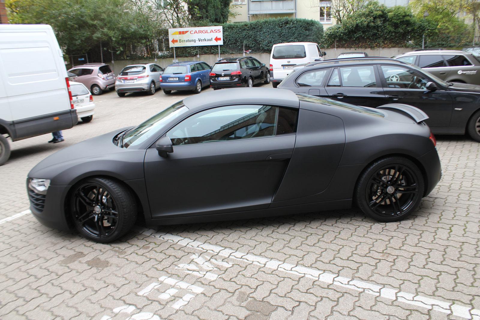 Audi_R8_schwarz_matt_folierung_mit_carbon_09
