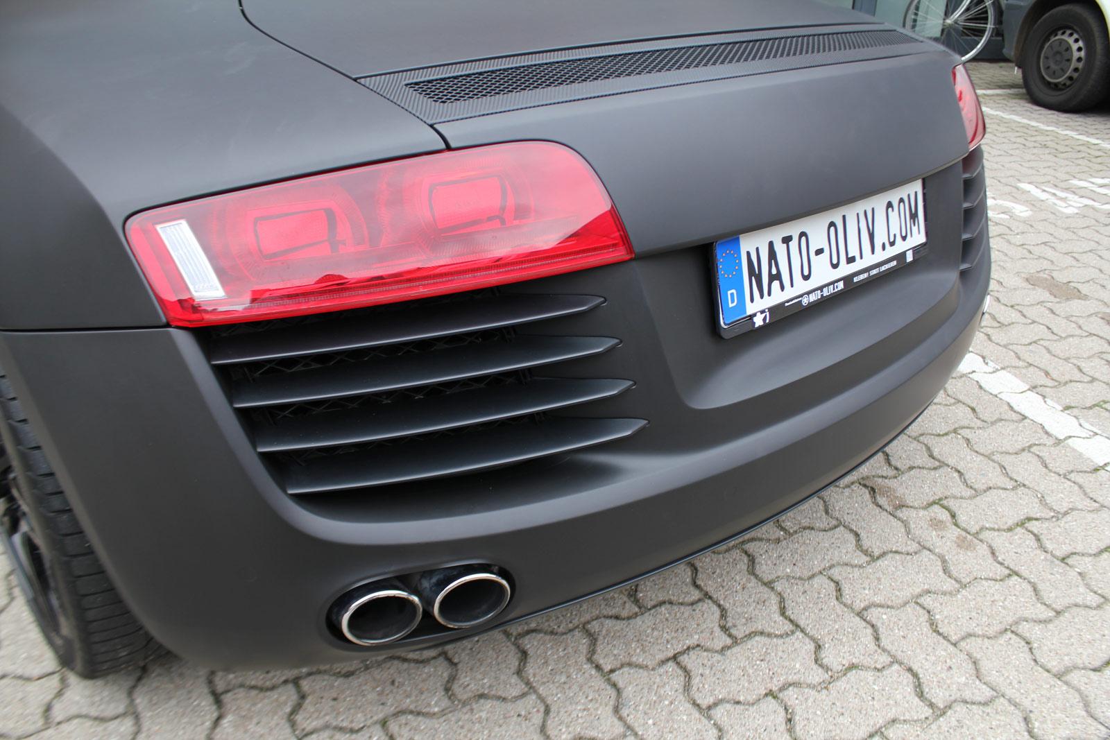 Audi_R8_schwarz_matt_folierung_mit_carbon_14