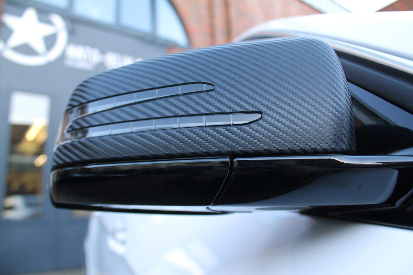 Mercedes_E-Klasse_weiss_glanz_foliert_carbon_spiegel_10