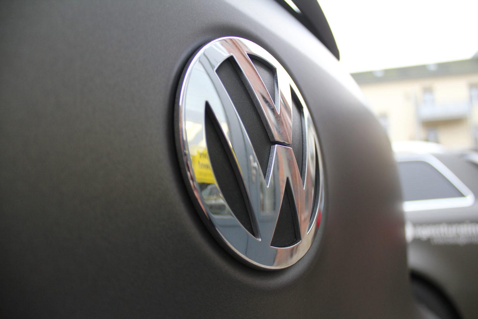 VW_Tiguan_Foliert_Anthrazit_Matt_Metallic_Carbon_Spiegel_09