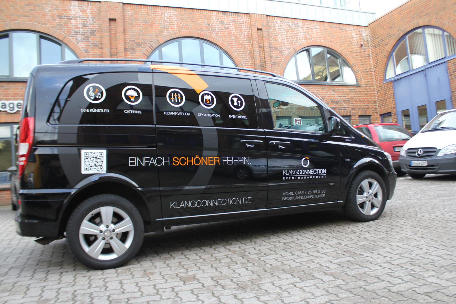 KlangConnection Werbebeklebung auf dem Mercedes Viano.