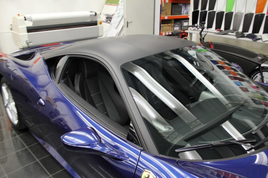 Ferrari 458 Italia Dachfolierung schwarz matt Nato Oliv Hamburg