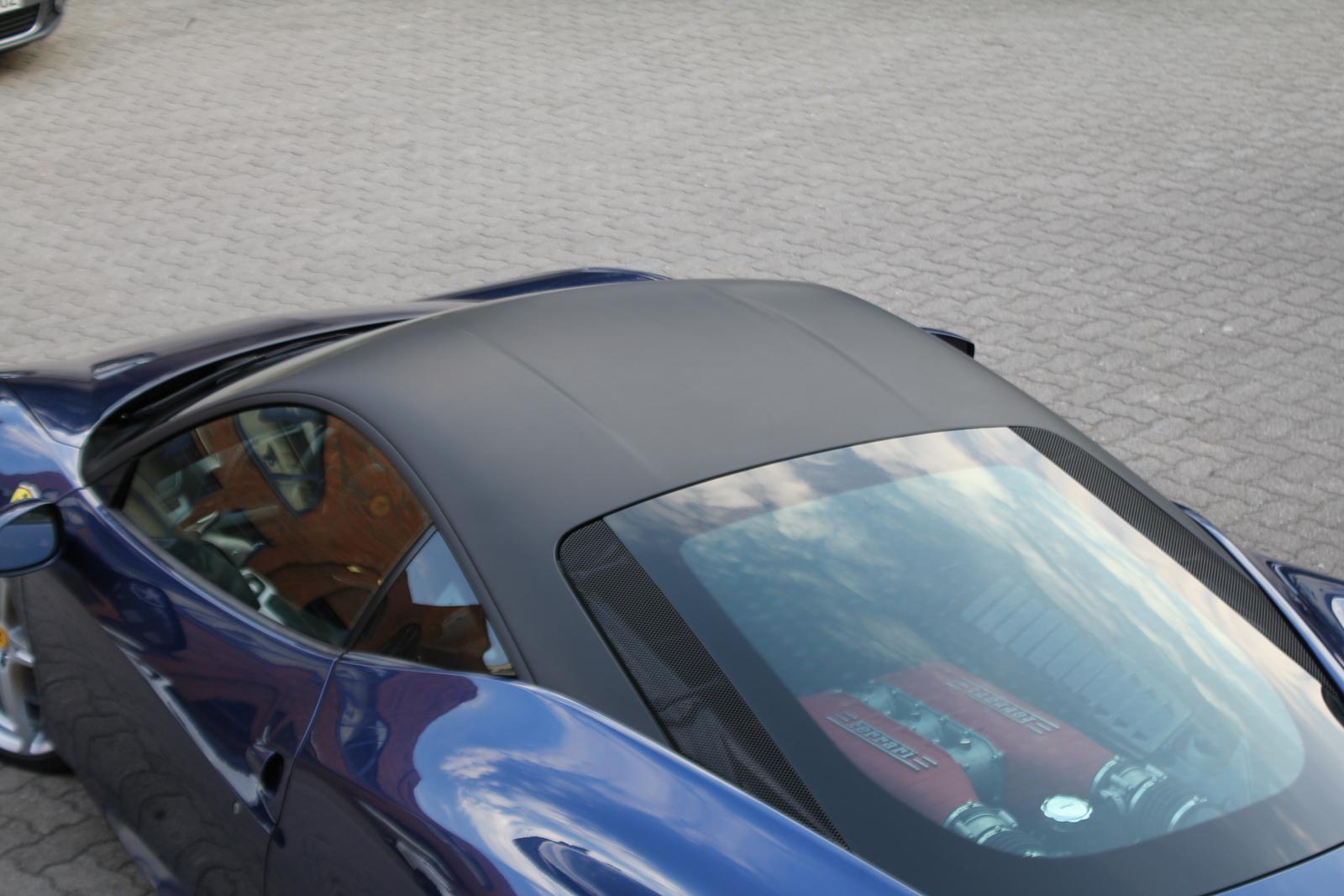 Car Wrapping Auto Folierung Ferrari 458 Italia Dachfolierung Schmarz Matt
