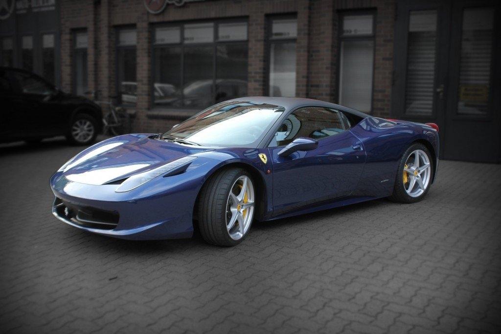 Ferrari 458 speciale Teilfolierung schwarz matt Nato Oliv Hamburg