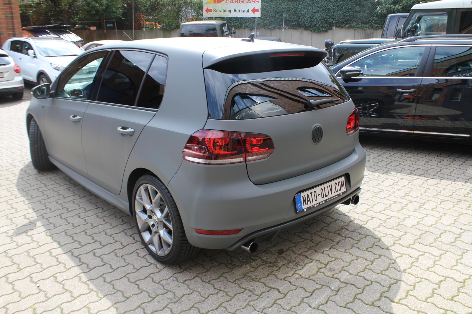 Auto Folierung Car Wrapping VW Golf GTI Grau Matt