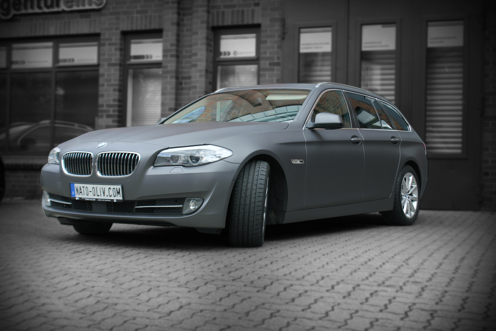 5er BMW beklebt mit Folie in Anthrazit matt metallic
