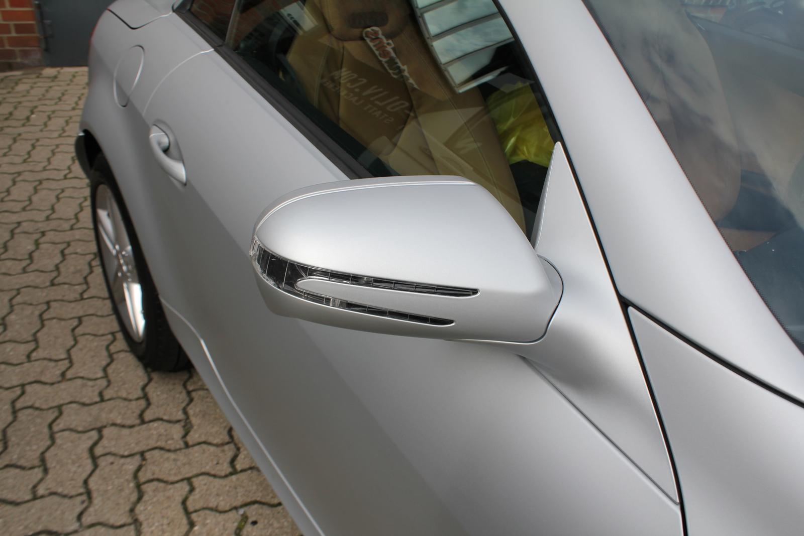 Auto Folierung Car Wrapping Mercedes SLK Arktiksilber