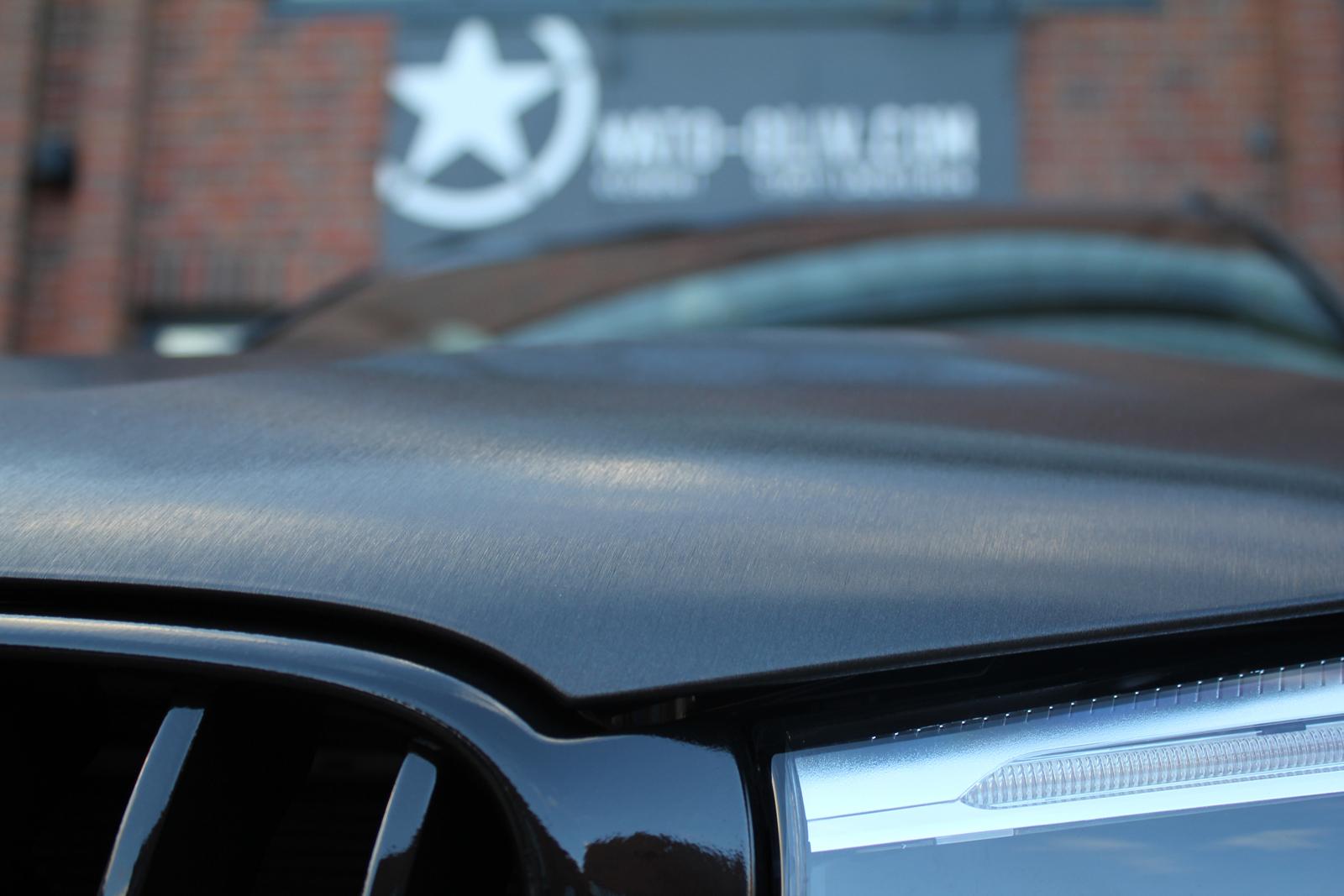 BMW_X3_CAR-WRAPPING_SCHWARZ_GEBUERSTET_FOLIE_10