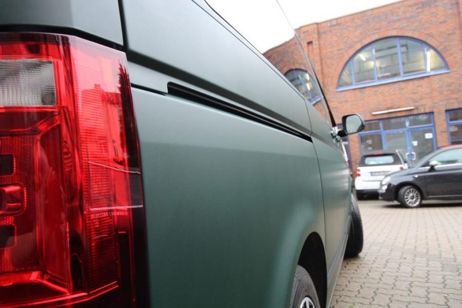 VW Bulli T6 British Racing Green Matt Car Wrapping Hamburg