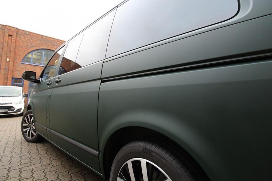 VW Bulli Multivan British Racing Green Matt Premium Wrap Hamburg