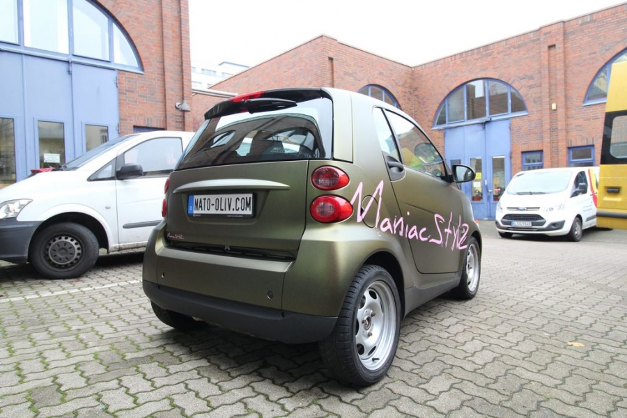 Smart in nato-oliv gold matt metallic Car Wrapping Hamburg