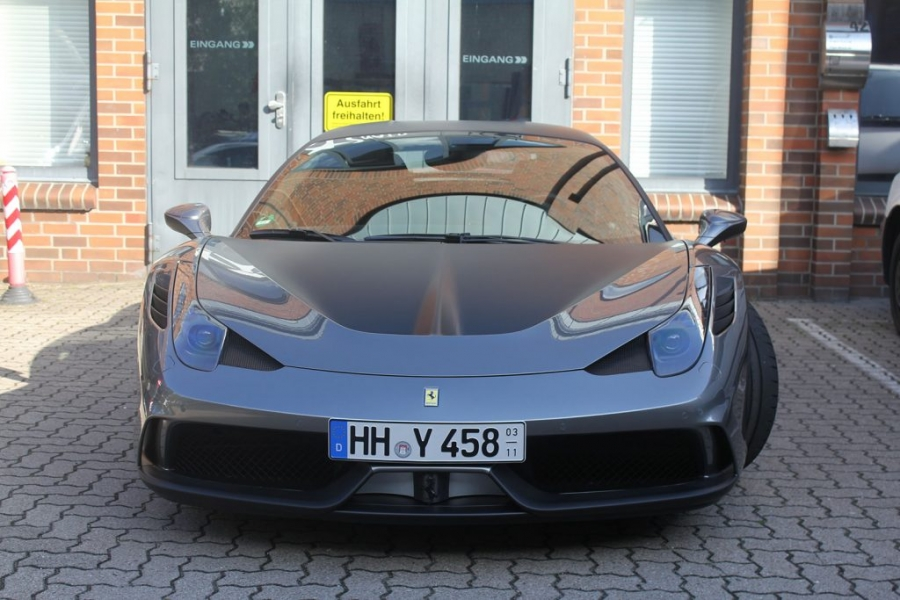 Ferrari 458 Car Wrapping schwarz matt Hamburg