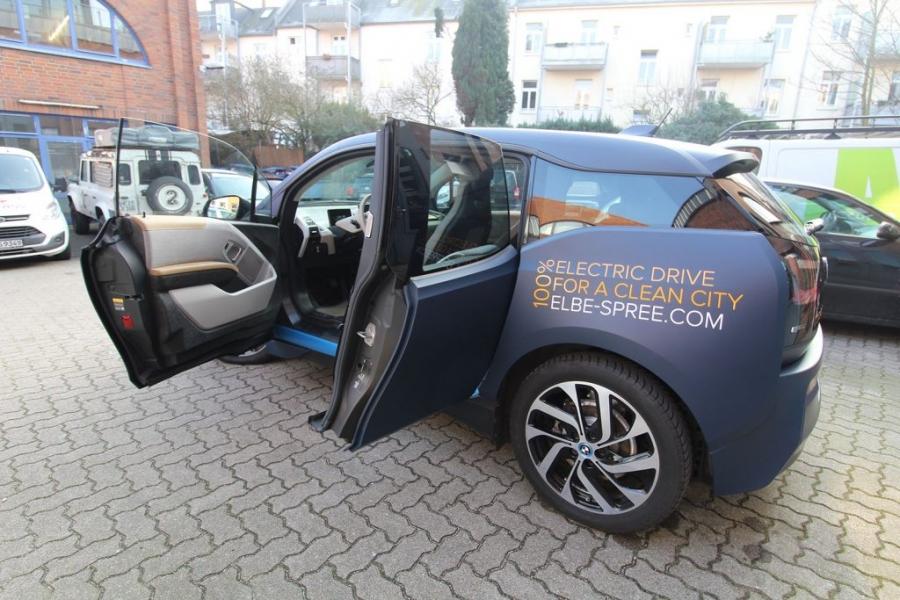 BMW i3 Premium Folierung in 3M dark navy Hamburg