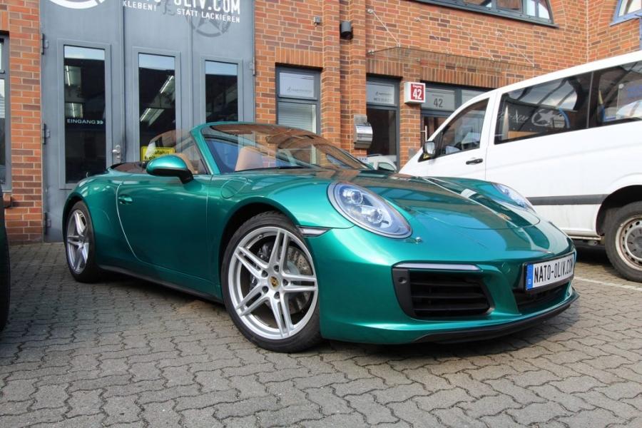 Porsche Hamburg Premium Folierung Avery Green Pearl