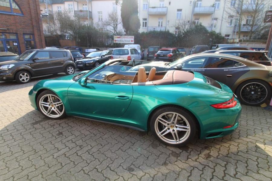 Porsche Hamburg Folierung Avery SWF Green Pearl glänzend