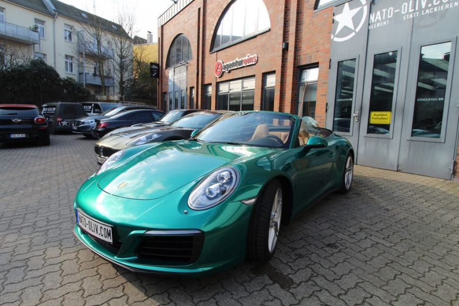 Porsche Hamburg Car Wrapping Avery Green Pearl