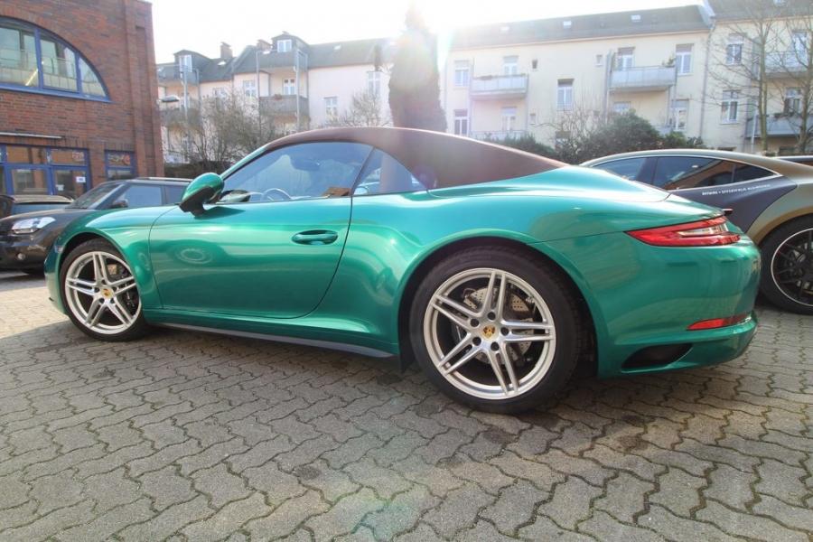 Porsche Hamburg Folierung Avery Green Pearl