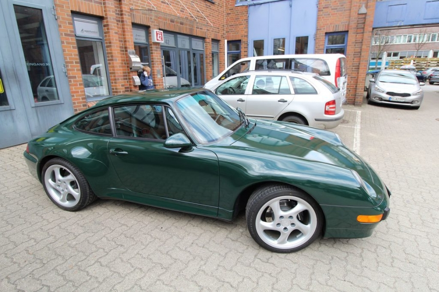 Porsche 993 Cabrio British Racing Green Nato Oliv Hamburg