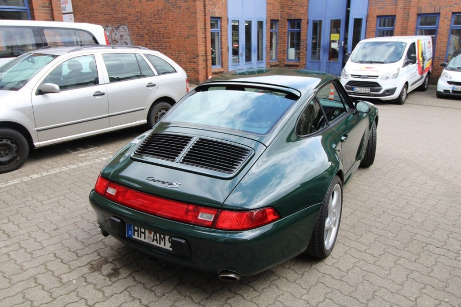 Porsche 993 Cabrio British Racing Green Car Wrapping Hamburg