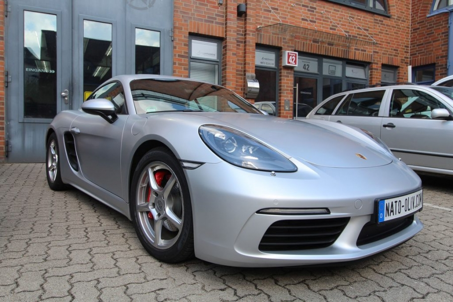 Porsche Cayman 3M Satin-White-Alu Premium Folierung Hamburg