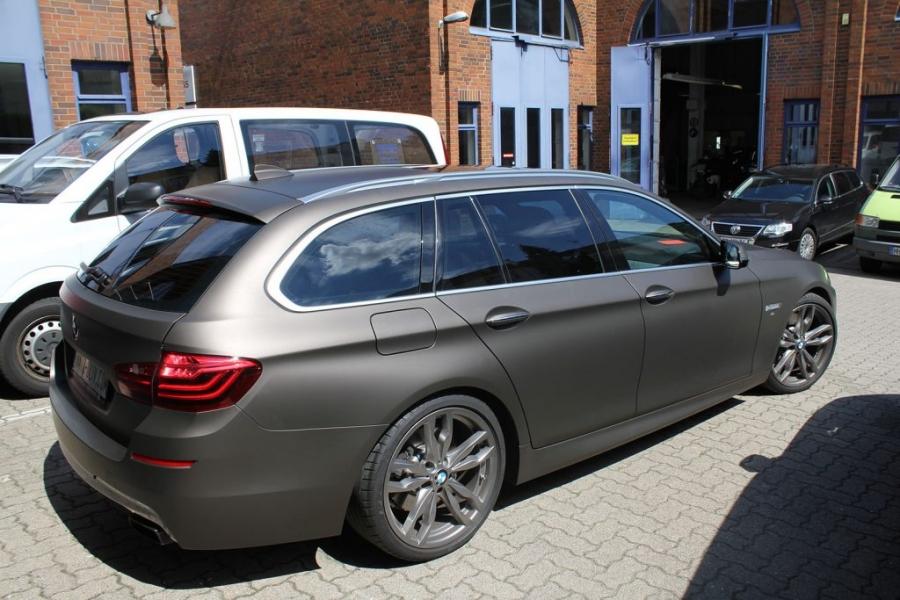 BMW 5er Kombi Premium Wrapping braun matt metallic Hamburg