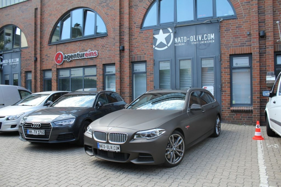 BMW 5er Touring Premium Autofolie braun matt metallic Hamburg