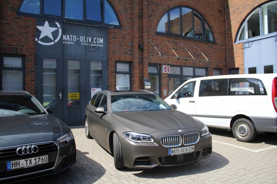 BMW 5er Touring Premium Folierung braun matt metallic Hamburg