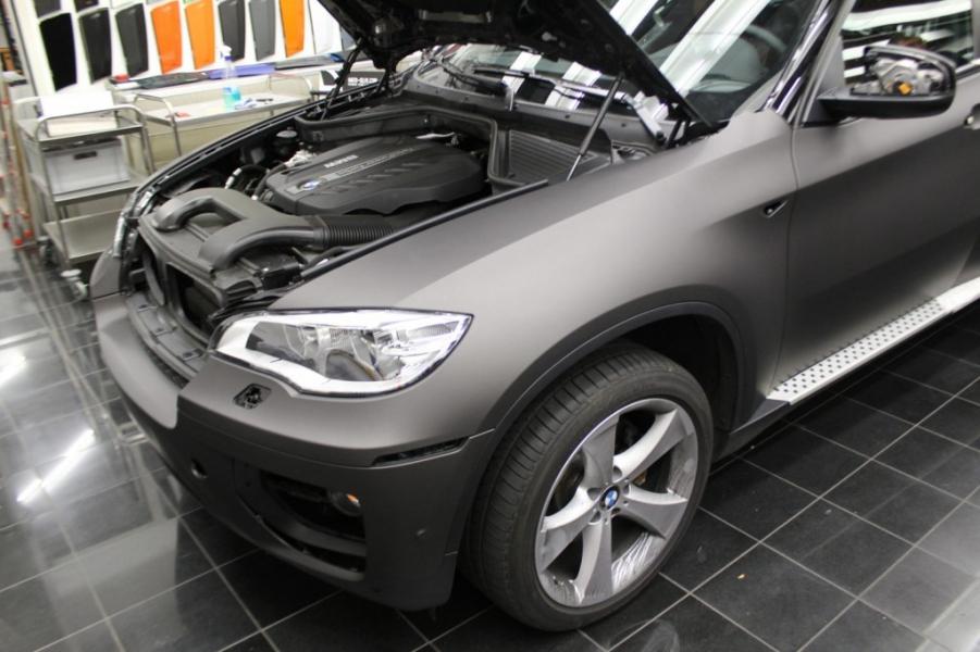 BMW X6 Motor schwarz-braun matt metallic Car Wrapping Hamburg