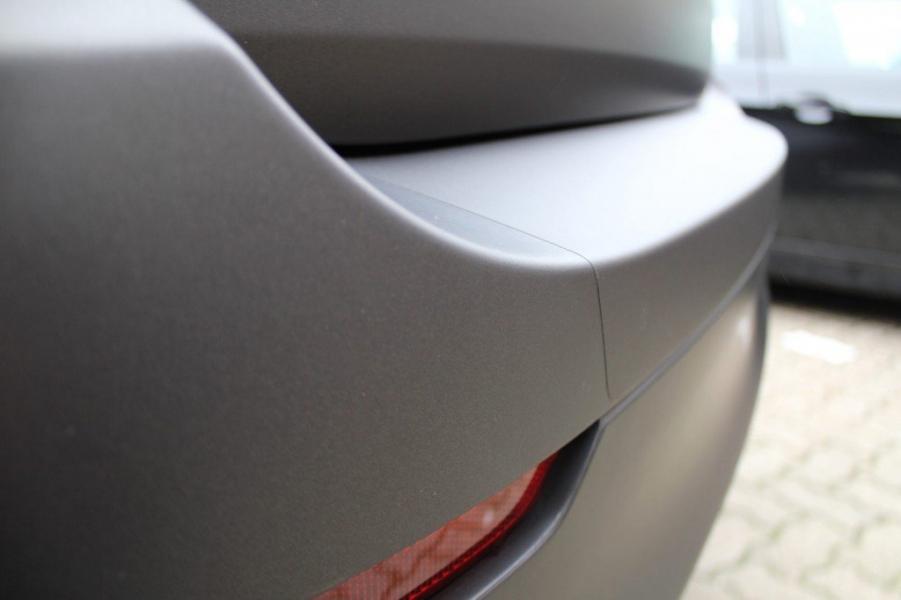 BMW X6 schwarz-braun matt metallic XPEL Ladekantenschutz Hamburg