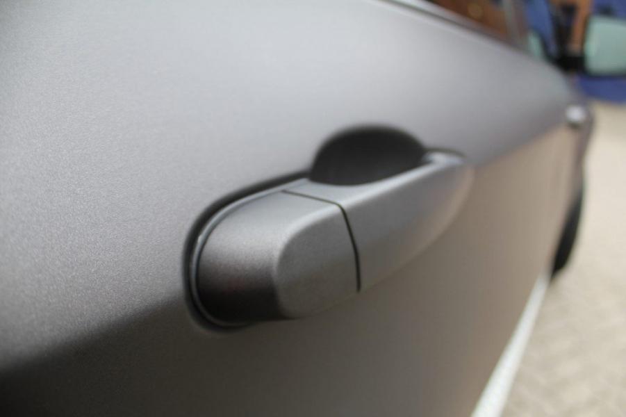 BMW X6 Folierung schwarz-braun matt metallic Türgriff